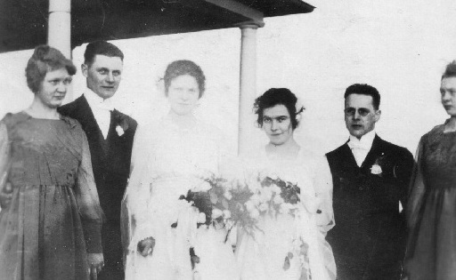 Photo of Stofferahn family wedding early 1900s